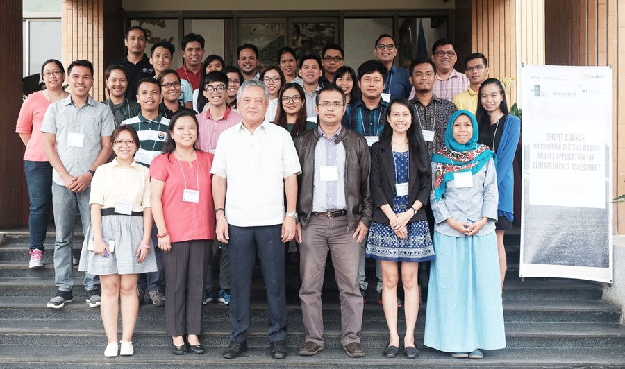 twenty seven students learn crop systems modelling at searca 01