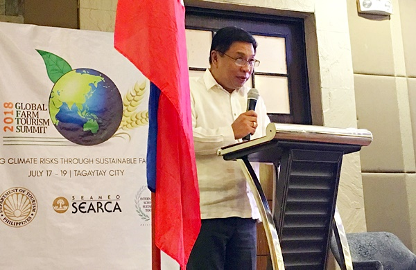 Dr. Fernando C. Sanchez, Jr., University of the Philippines Los Baños (UPLB) Chancellor and Chair of the SEARCA Governing Board, welcomes the participants to the summit on behalf of SEARCA.