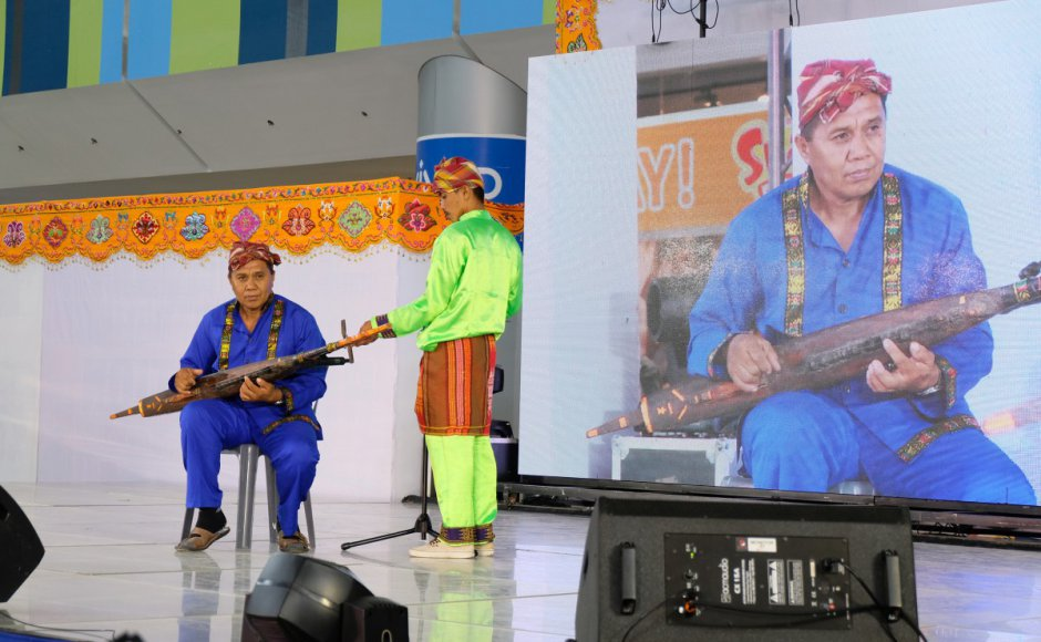 A Muslim Filipino musical expert entertains the crowd of as part of the opening ceremonies of the 1st Budayaw 2017 BIMP-EAGA Festival on Culture and Arts in General Santos City, Philippines on Wednesday, 20 September 2017. Source: Bong Sarmiento