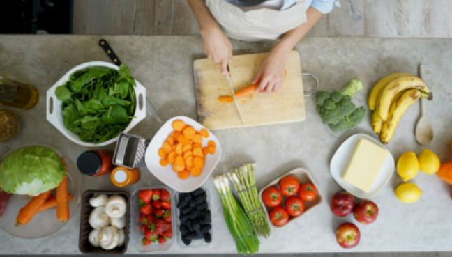 The researchers found an association between a higher intake of healthy foods, such as vegetables, fish, eggs, poultry and legumes, and a lower risk of multiple sclerosis. (AFP Relaxnews pic)