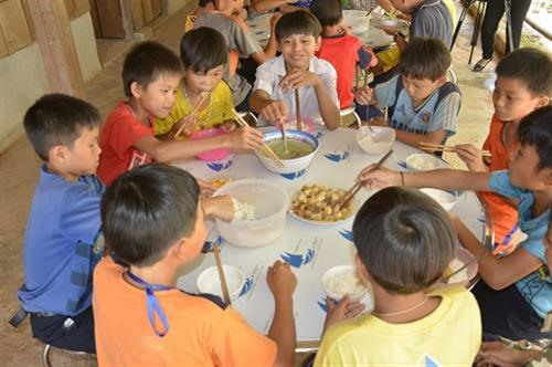Malnutrition rates among mothers and children improved remarkably in the northern provinces of Lào Cai, Lai Châu and Hà Giang through a poverty reduction project, which ended in June 2018.— VNA/VNS Photo Hồng Điệp