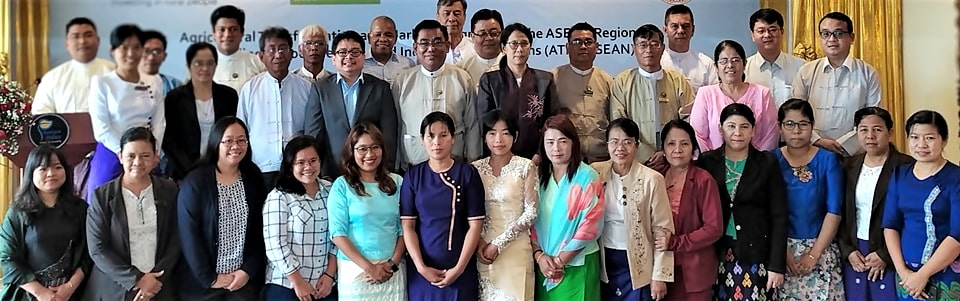 Project partners and experts on pulses sector of Myanmar gather for the roundtable discussion. Photo by Mr. Aung Myint Myat, MOALI-DOP